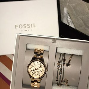 Fossil watch and jewelry gift set